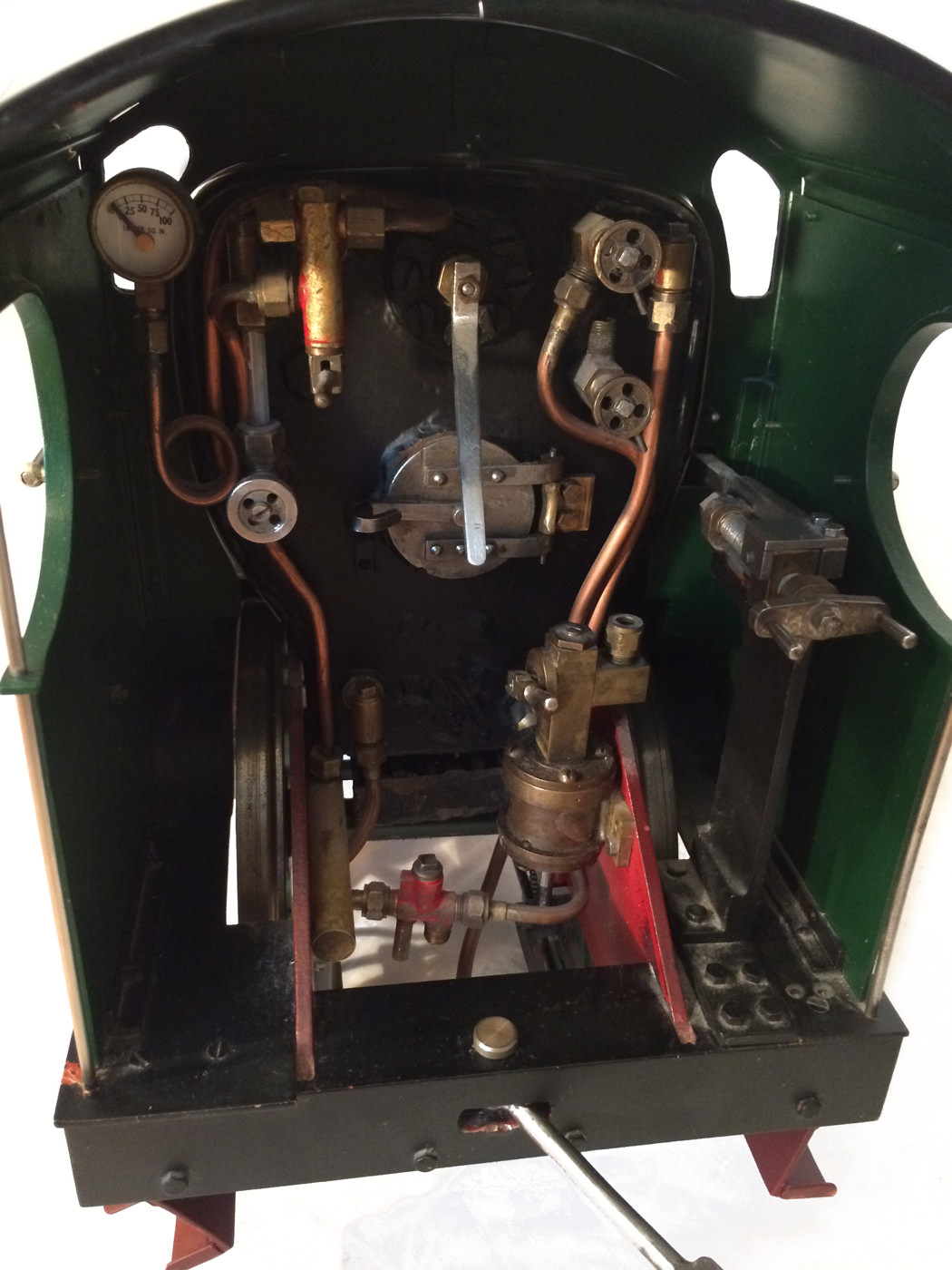 test 3 and a half inch gauge GCR Sir Sam Fay I Class live steam locomotive for sale 03