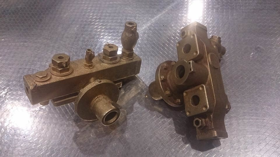 test 7 gauge standard class 4 tank manifold casting