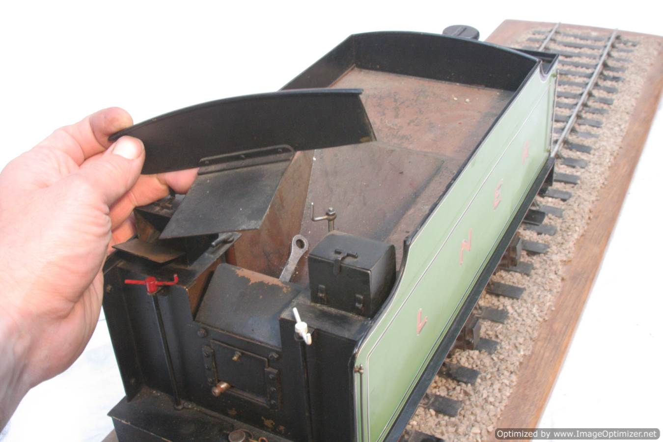 test 3 and a half inch gauge LNER V2 Green Arrow live steam model for sale 01-Optimized