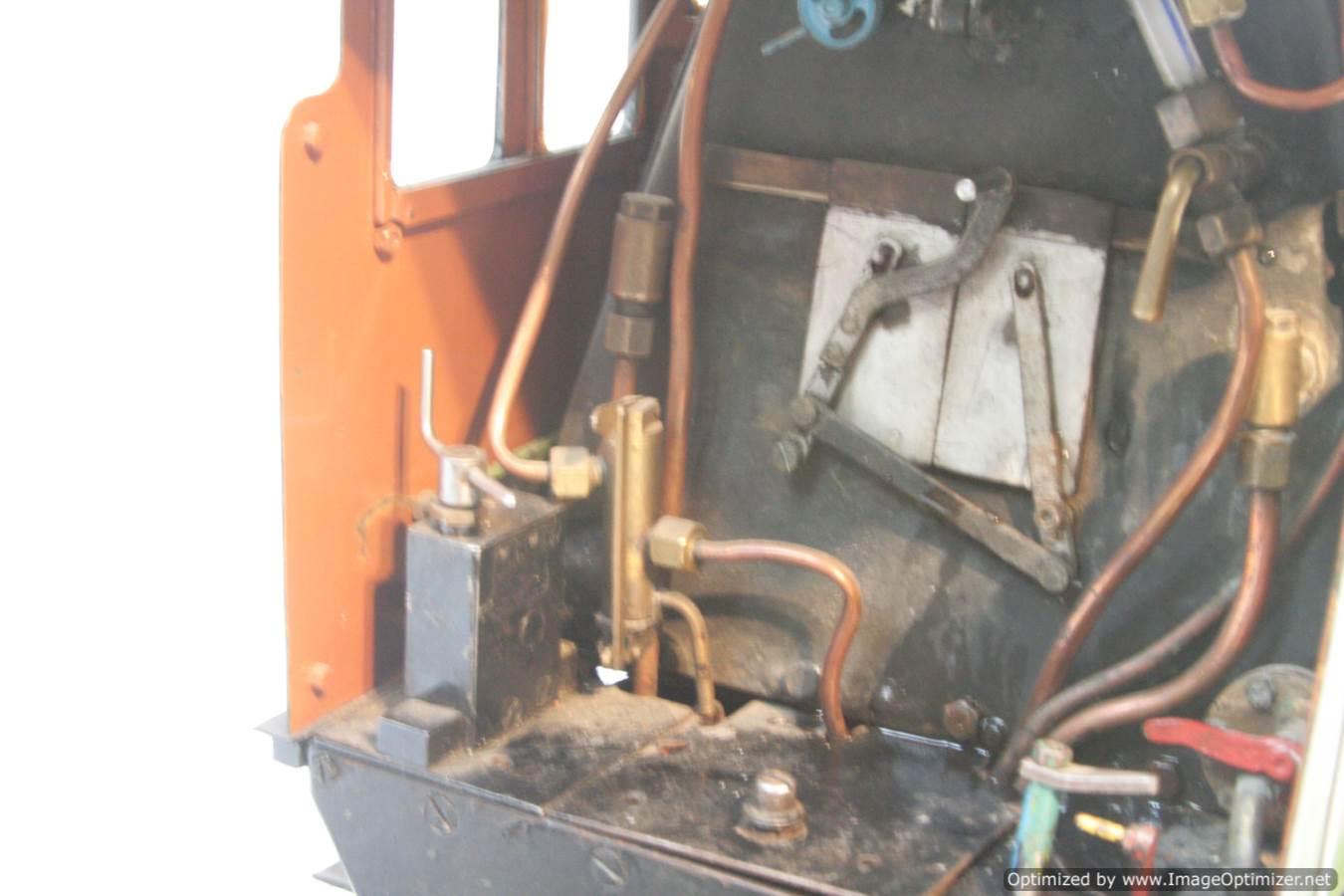 test 3 and a half inch gauge LNER V2 Green Arrow live steam model for sale 07-Optimized