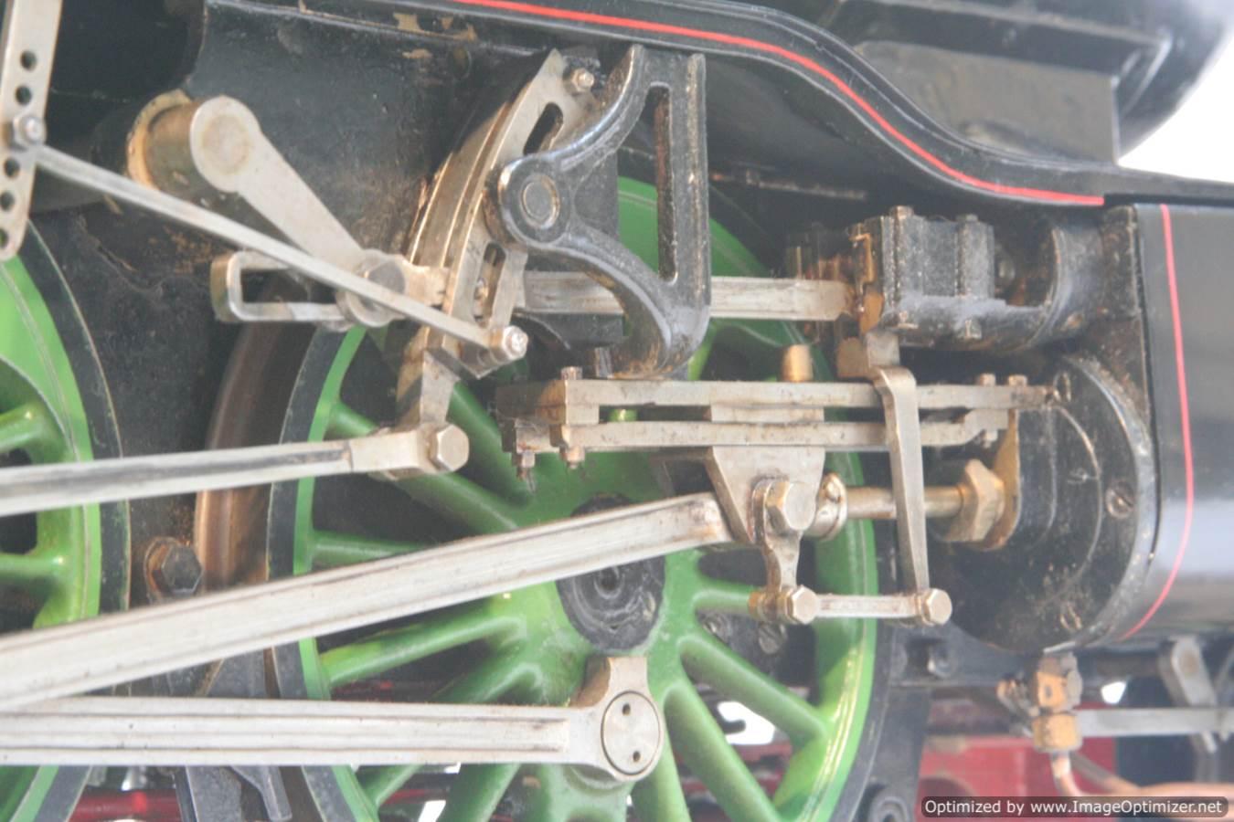 test 3 and a half inch gauge LNER V2 Green Arrow live steam model for sale 16-Optimized