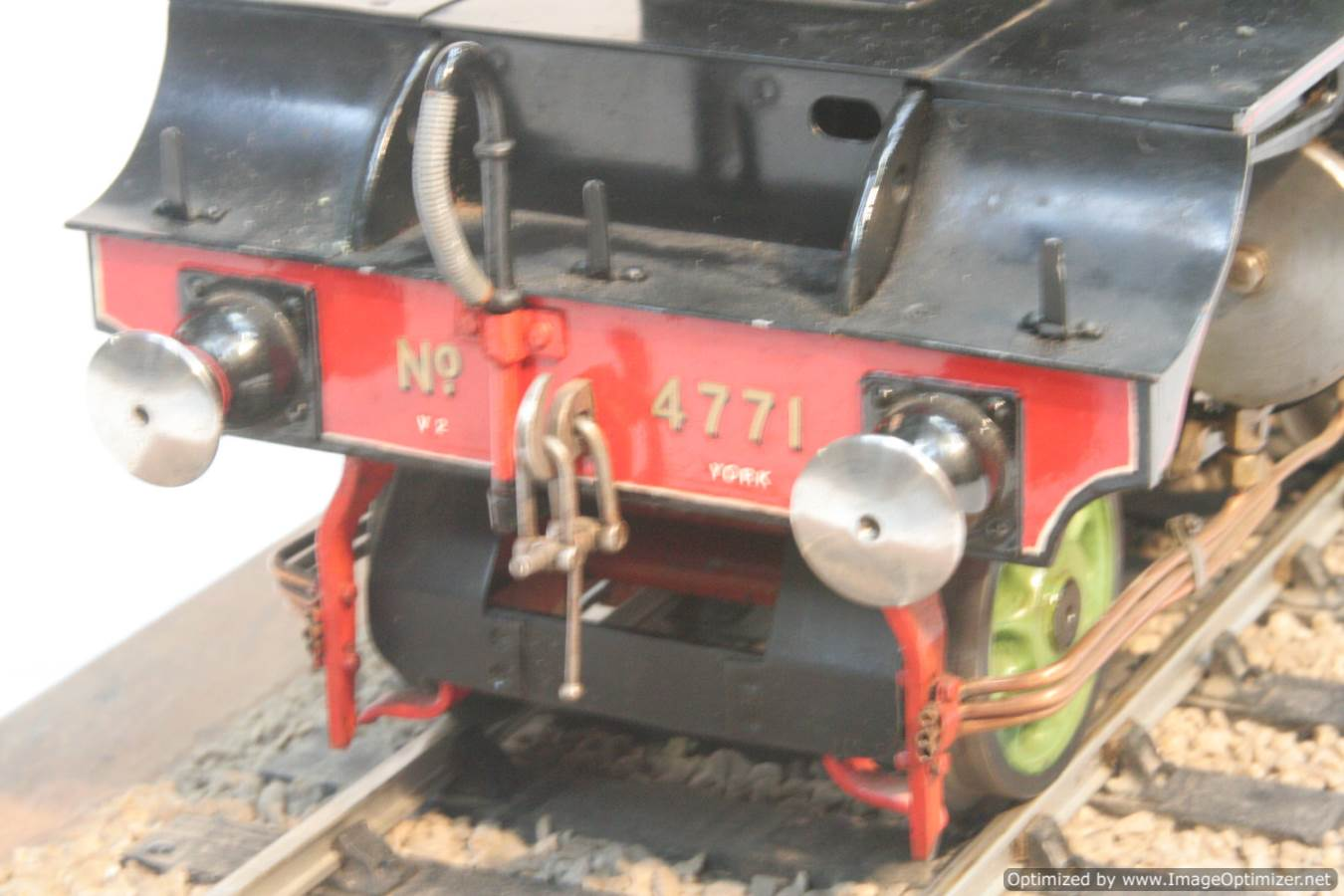 test 3 and a half inch gauge LNER V2 Green Arrow live steam model for sale 23-Optimized