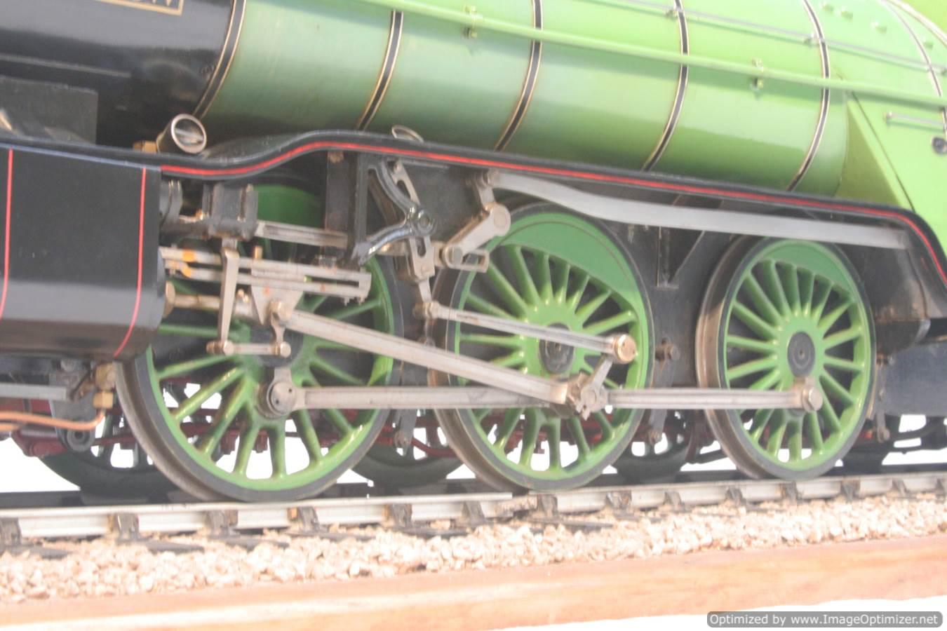 test 3 and a half inch gauge LNER V2 Green Arrow live steam model for sale 24-Optimized
