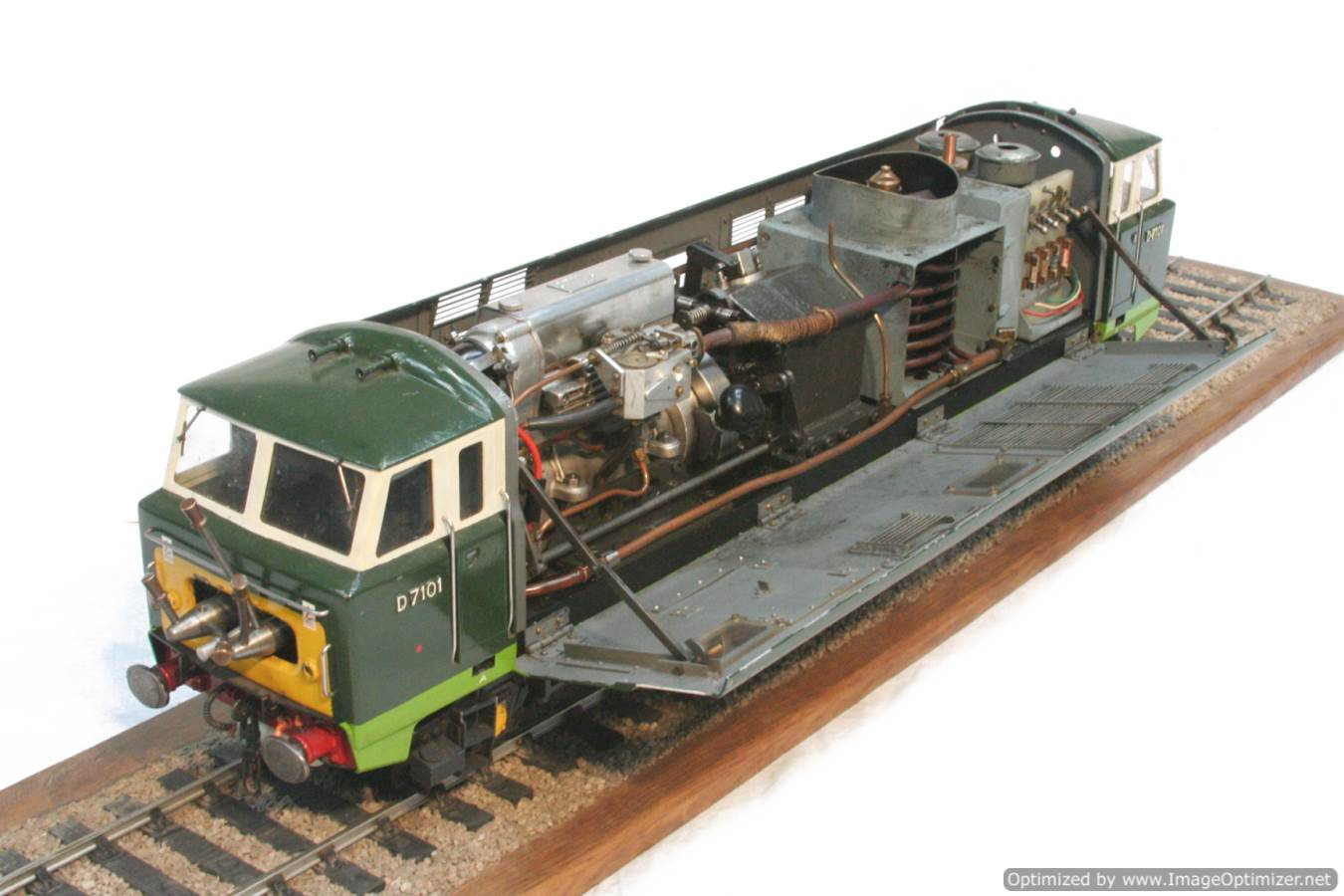 test 3 and a half inch gauge Hymek BR Class 35 diesel miniature locomotive for sale 21-Optimized