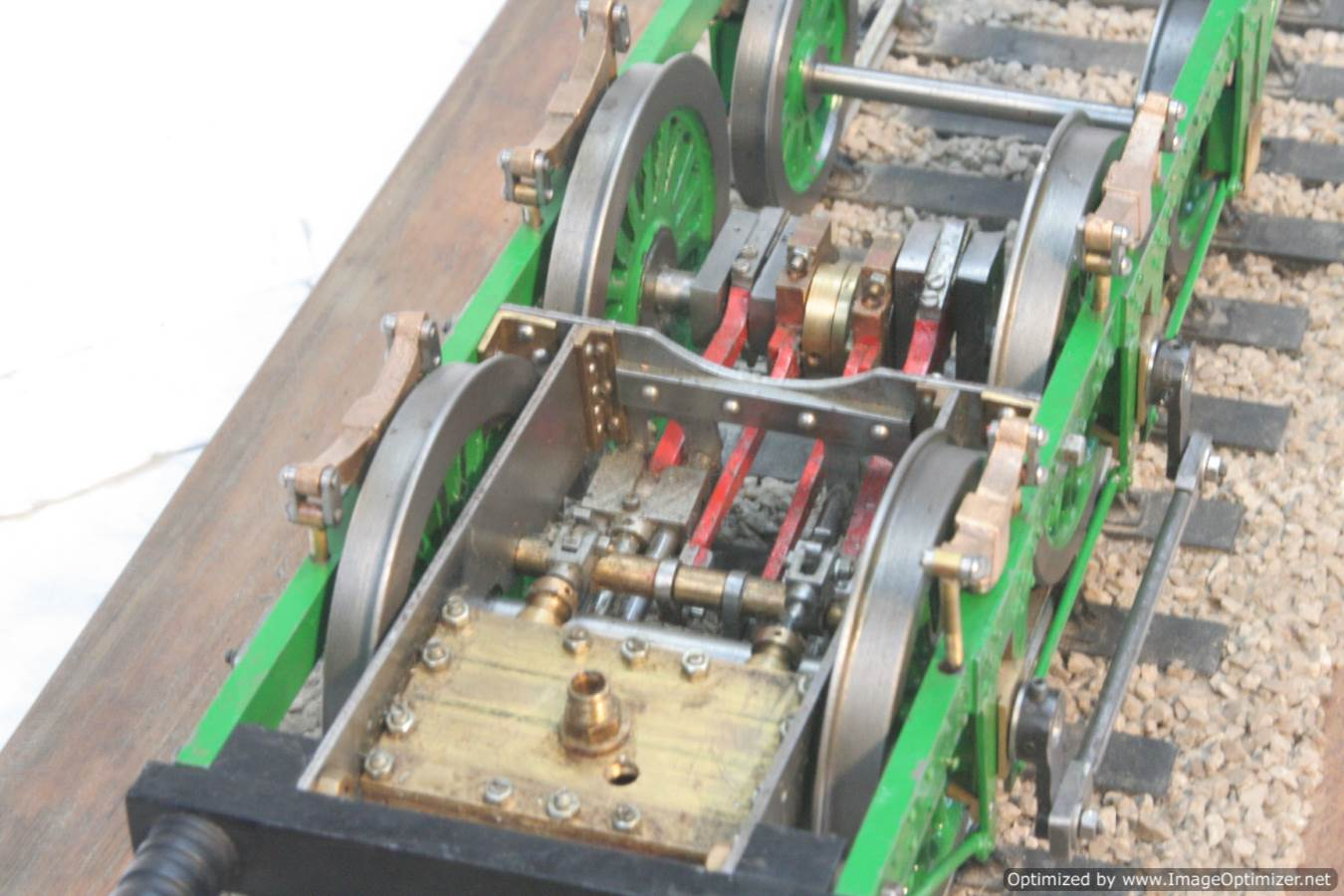 test 3-5-inch-gauge-lion-locomotive-chassis-for-sale-02-optimized