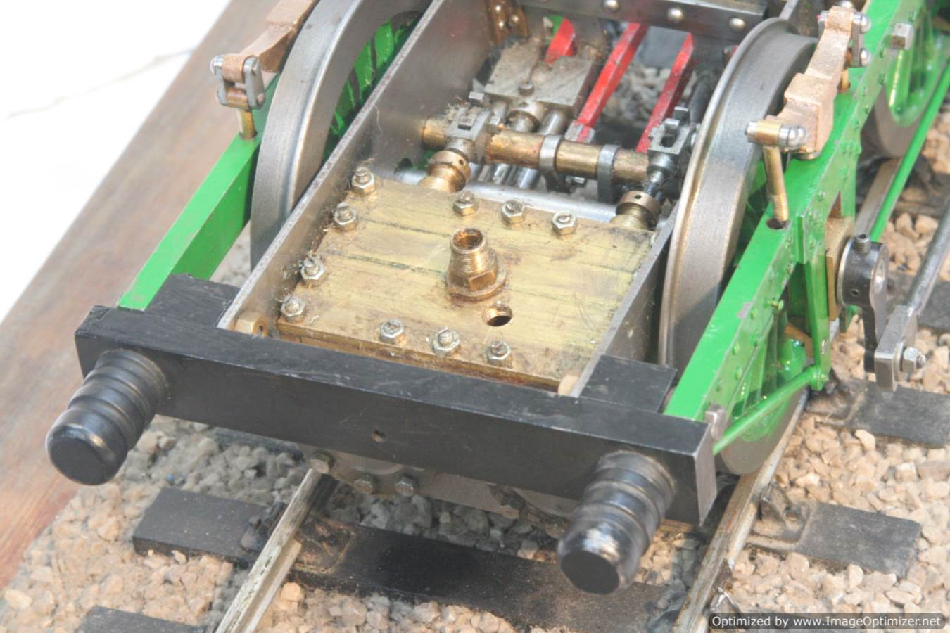 test 3-5-inch-gauge-lion-locomotive-chassis-for-sale-03-optimized