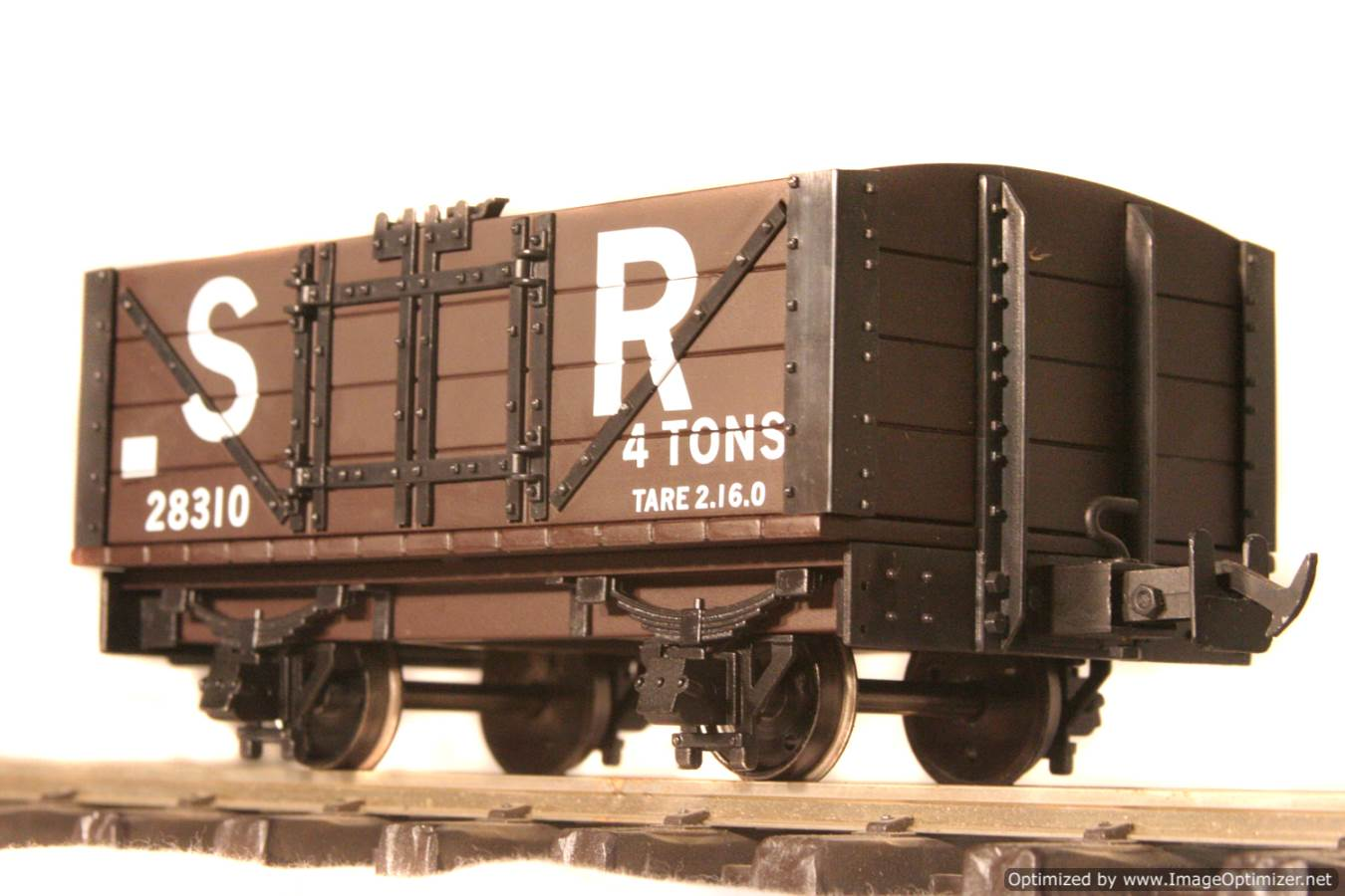 test L & B Wagon for sale 04 Optimized