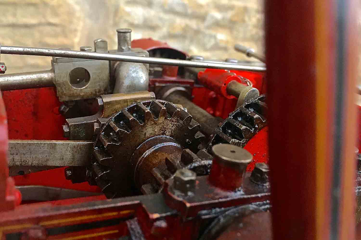 test Alchin-Traction-Engine-Royal-Chester-live-steam-model-for-sale-11