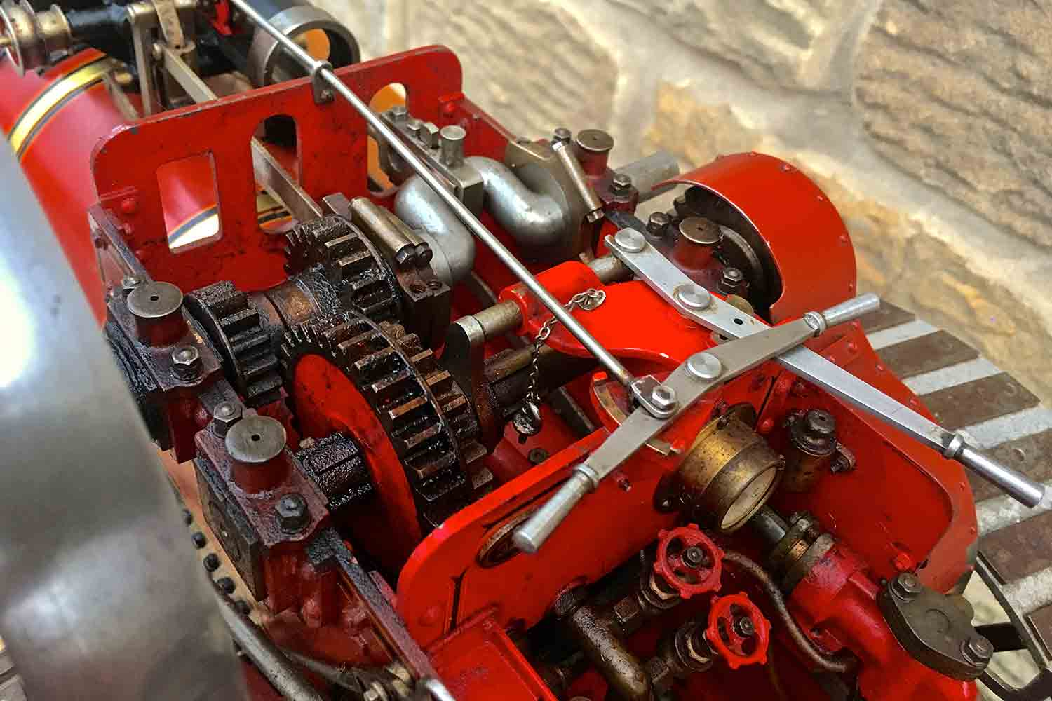test Alchin-Traction-Engine-Royal-Chester-live-steam-model-for-sale-13