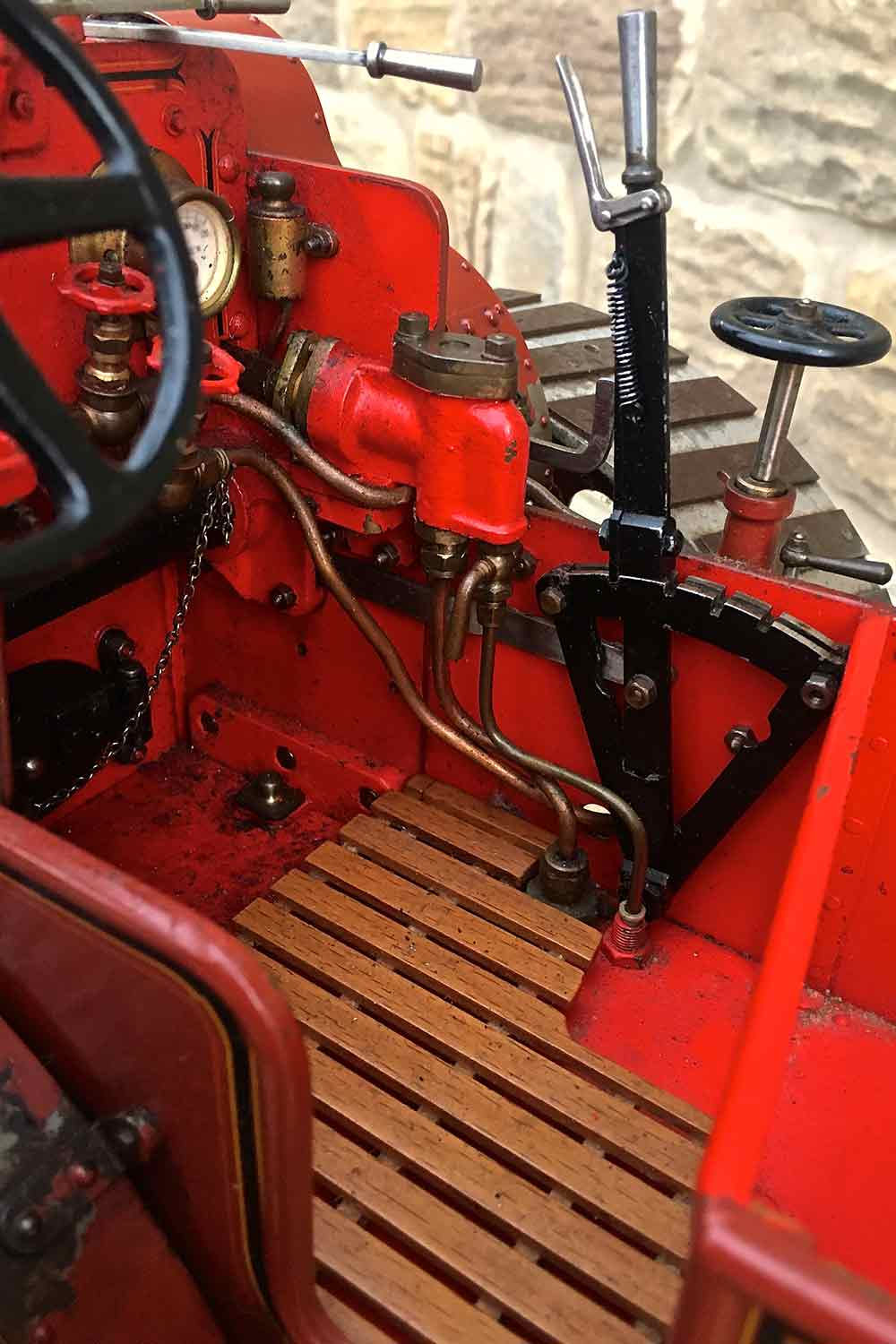 test Alchin-Traction-Engine-Royal-Chester-live-steam-model-for-sale-16