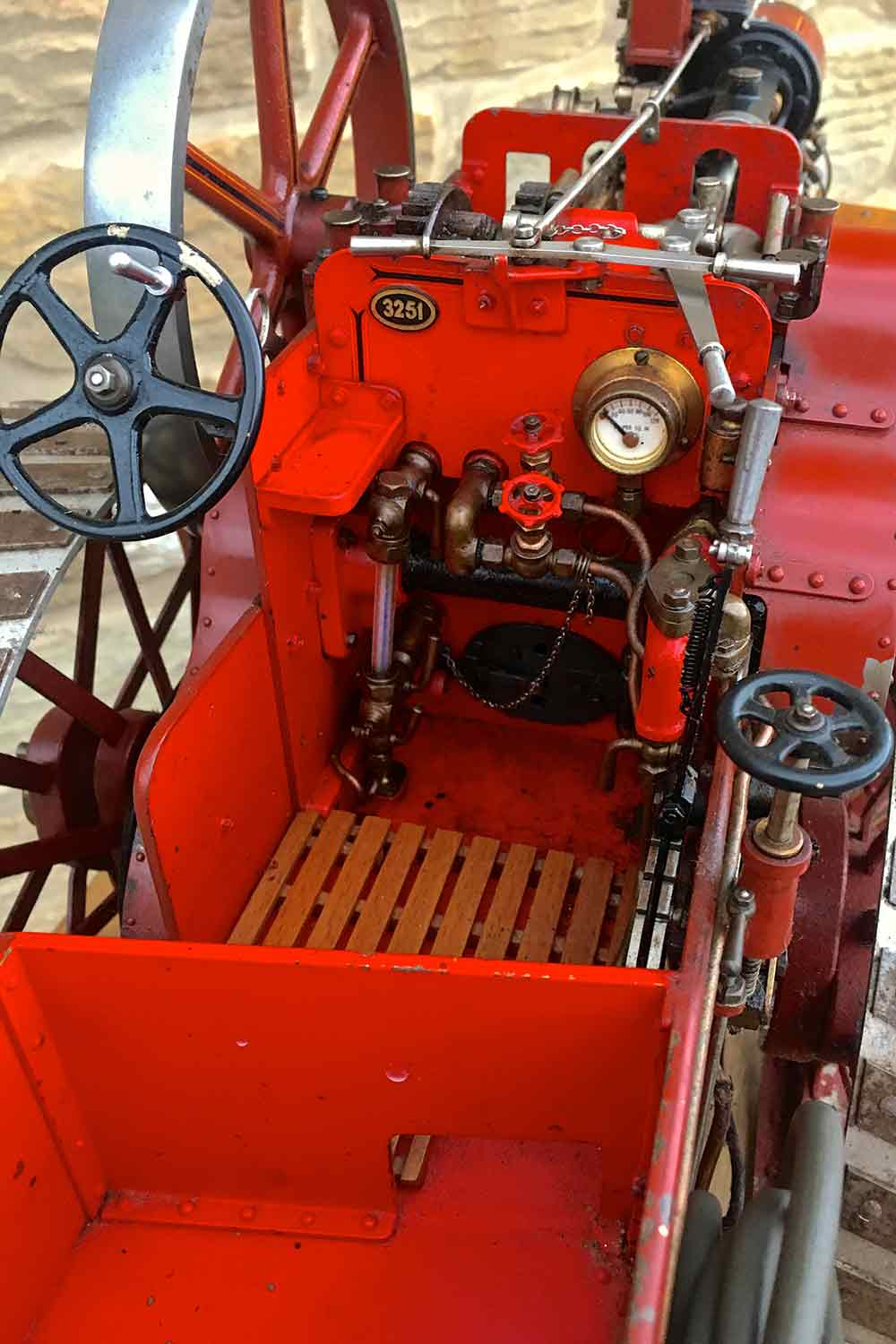 test Alchin-Traction-Engine-Royal-Chester-live-steam-model-for-sale-18