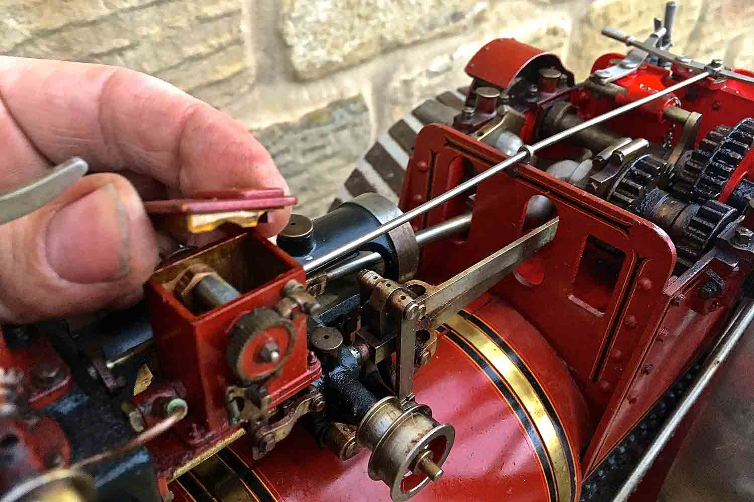 test Alchin-Traction-Engine-Royal-Chester-live-steam-model-for-sale-27