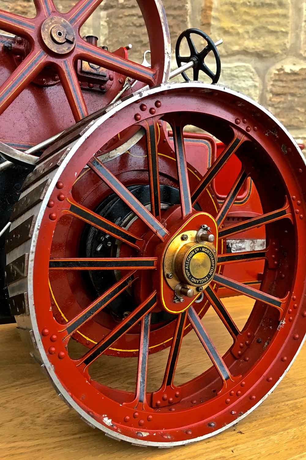 test Alchin-Traction-Engine-Royal-Chester-live-steam-model-for-sale