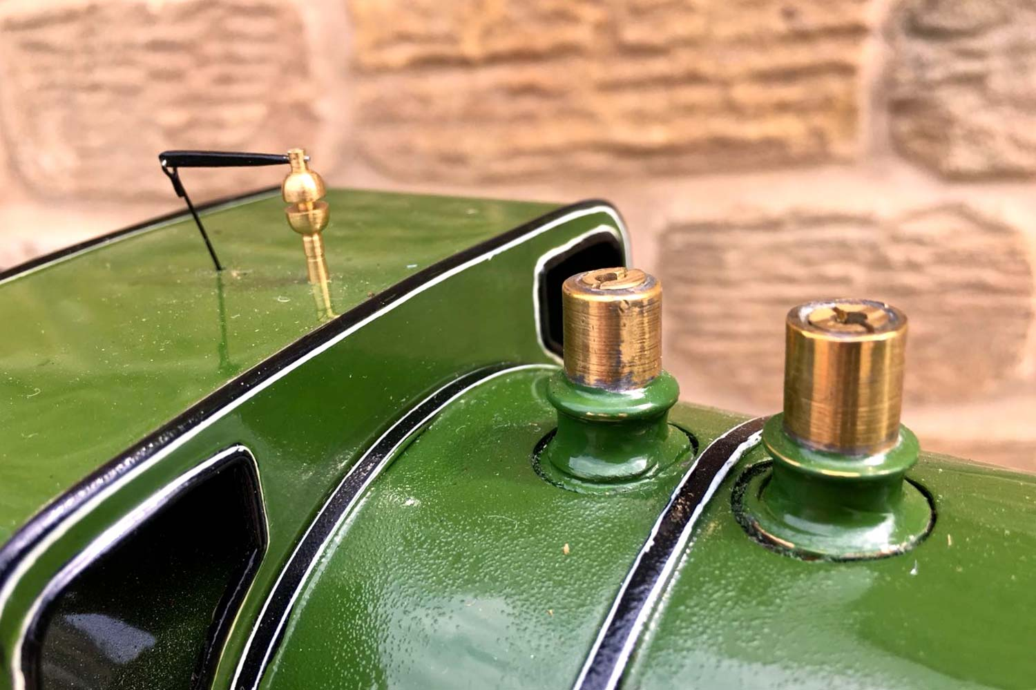 test 2-and-a-half-inch-gauge-3-GNR-C1-Atlantic-Ayesha-live-steam-locomotive-for-sale-10