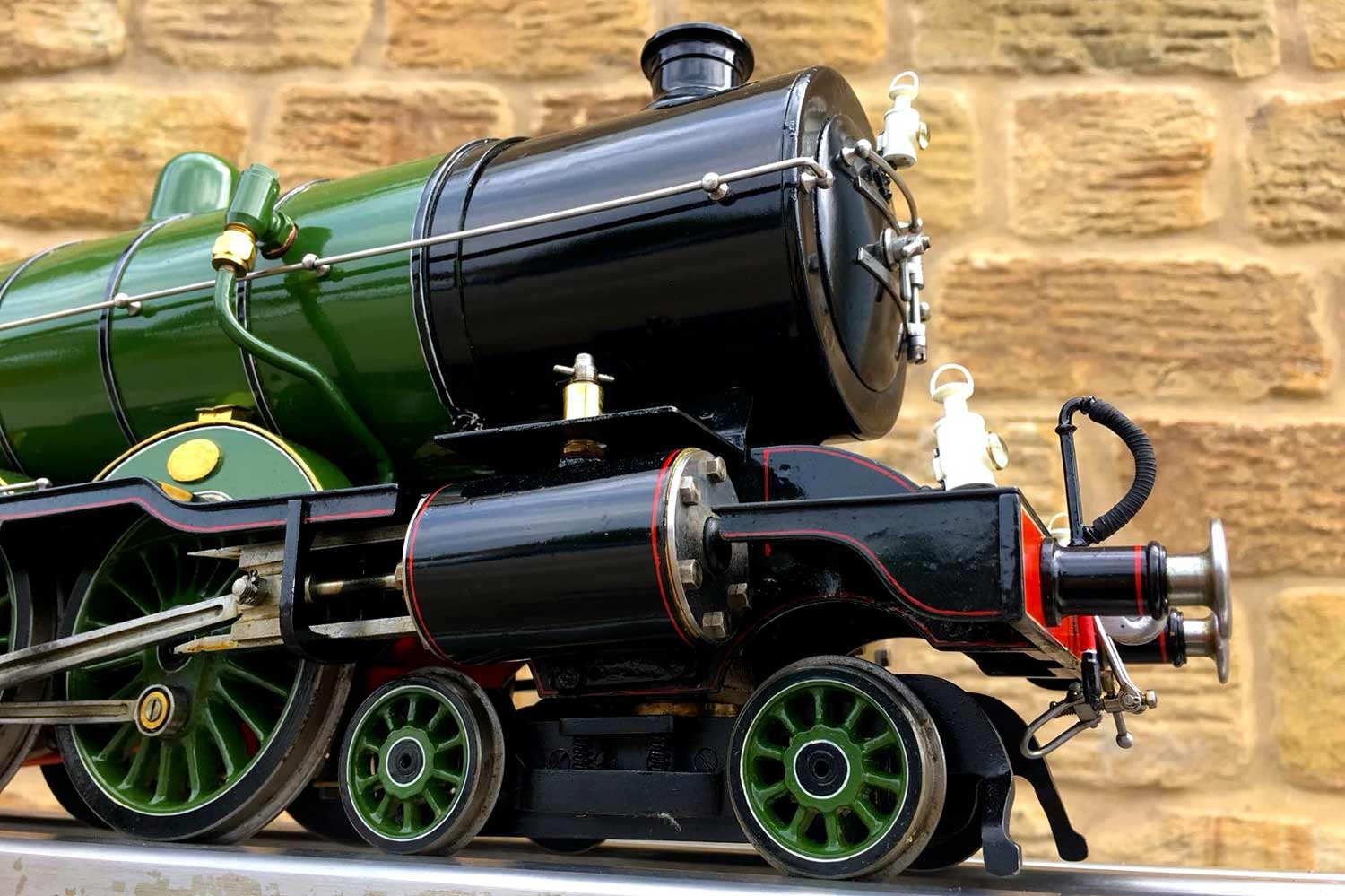 test 2-and-a-half-inch-gauge-3-GNR-C1-Atlantic-Ayesha-live-steam-locomotive-for-sale-14