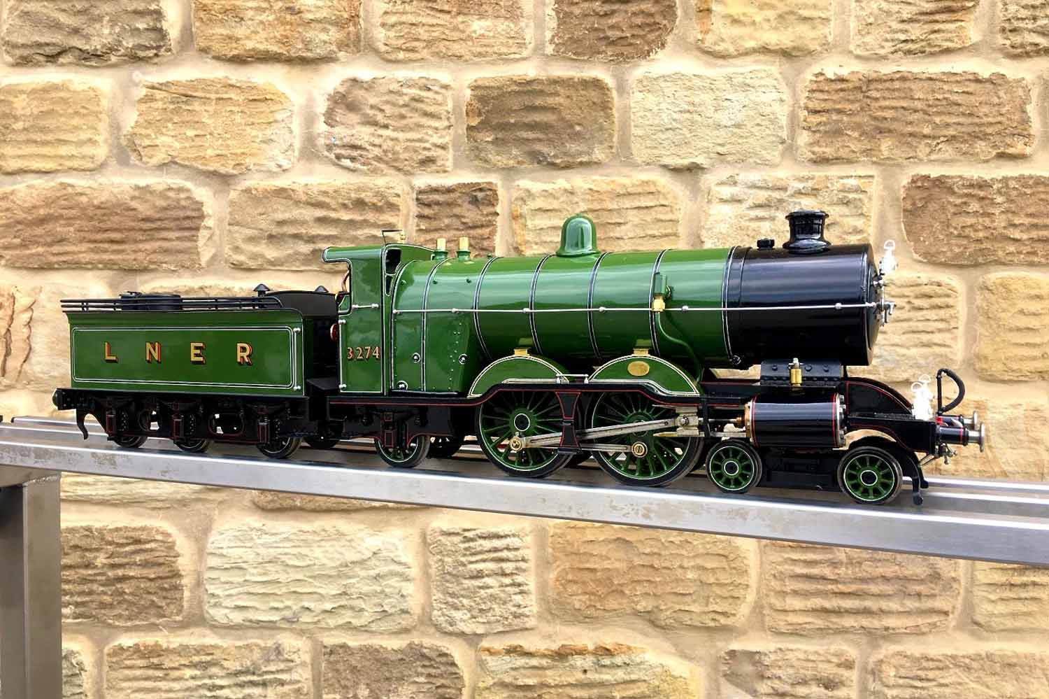 test 2-and-a-half-inch-gauge-3-GNR-C1-Atlantic-Ayesha-live-steam-locomotive-for-sale-15