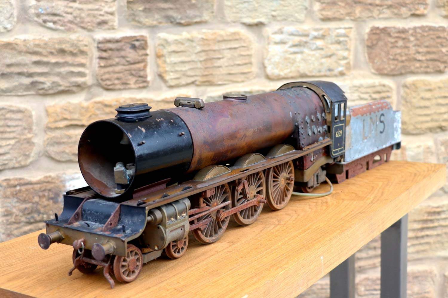 test 2-and-a-half-inch-gauge-LMS-Duchess-live-steam-locomotive-for-sale-02