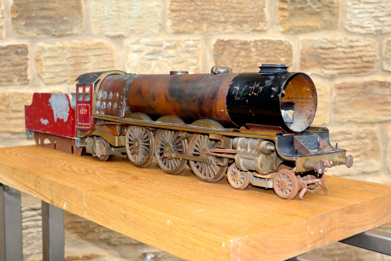 test 2-and-a-half-inch-gauge-LMS-Duchess-live-steam-locomotive-for-sale-05
