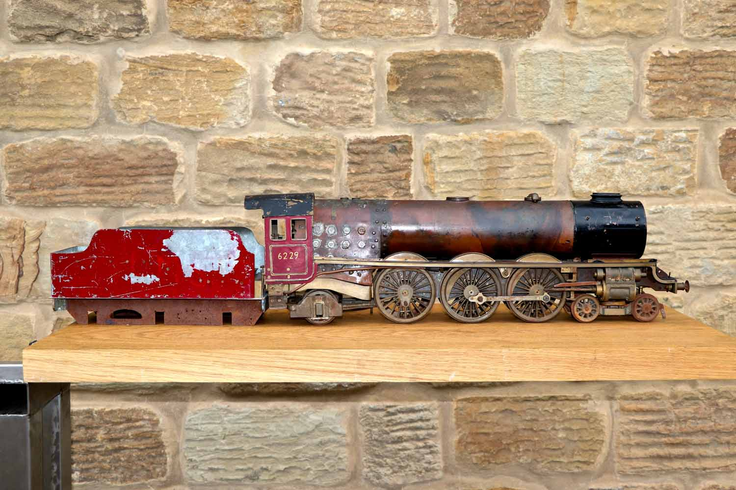 test 2-and-a-half-inch-gauge-LMS-Duchess-live-steam-locomotive-for-sale-06