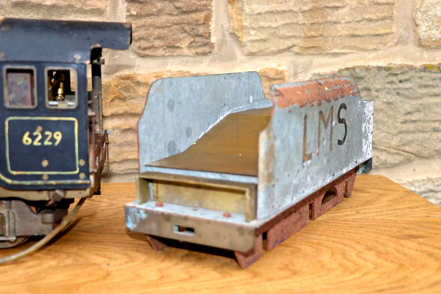 test 2-and-a-half-inch-gauge-LMS-Duchess-live-steam-locomotive-for-sale-08