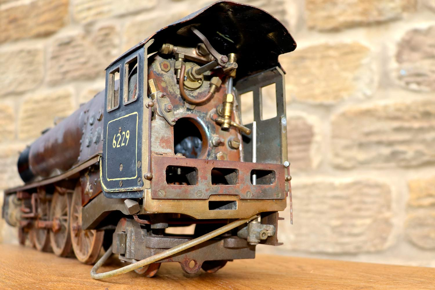 test 2-and-a-half-inch-gauge-LMS-Duchess-live-steam-locomotive-for-sale-11