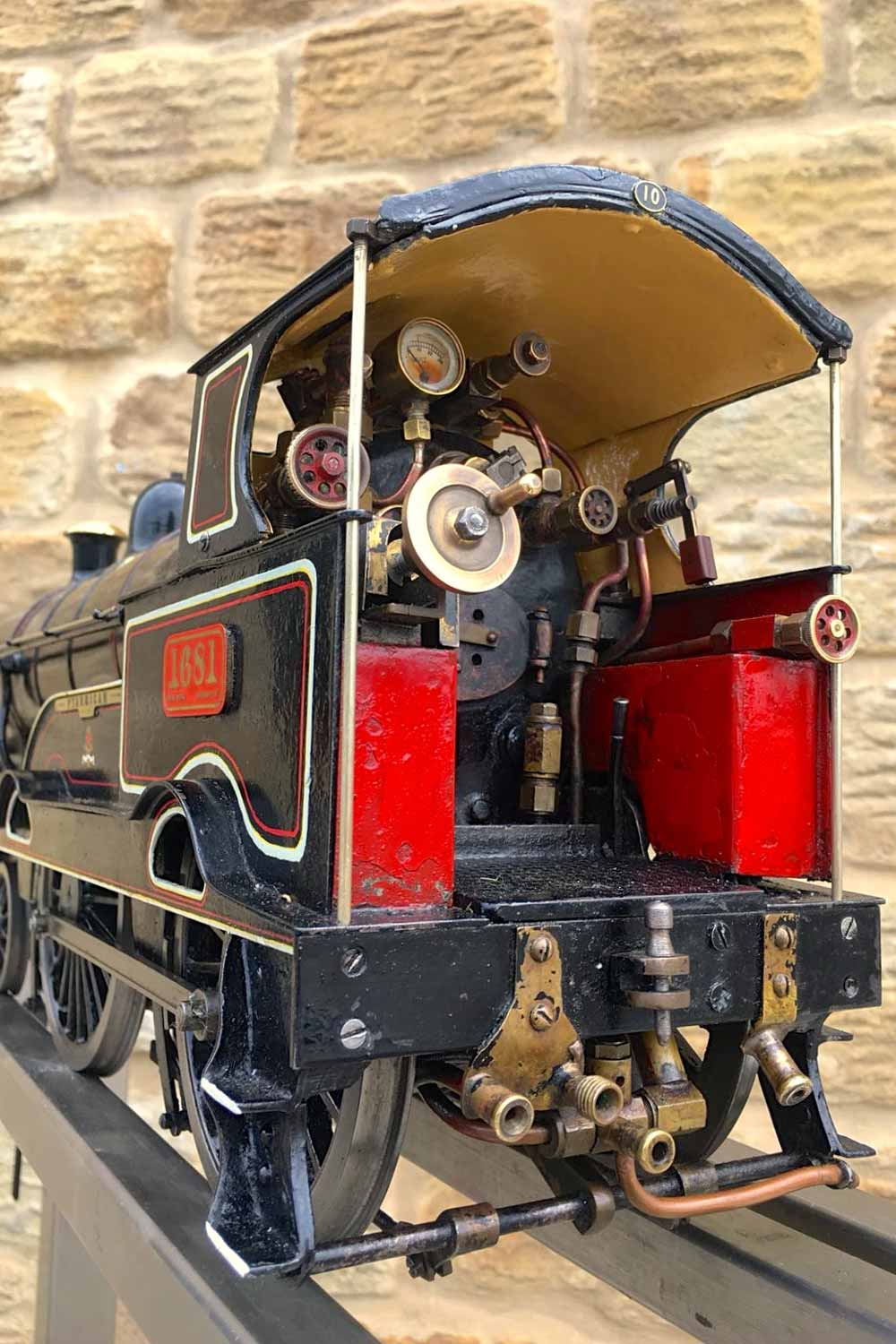 test 3-and-a-half-inch-LNWR-King-George-the-Fifth-live-steam-locomotive-for-sale-01