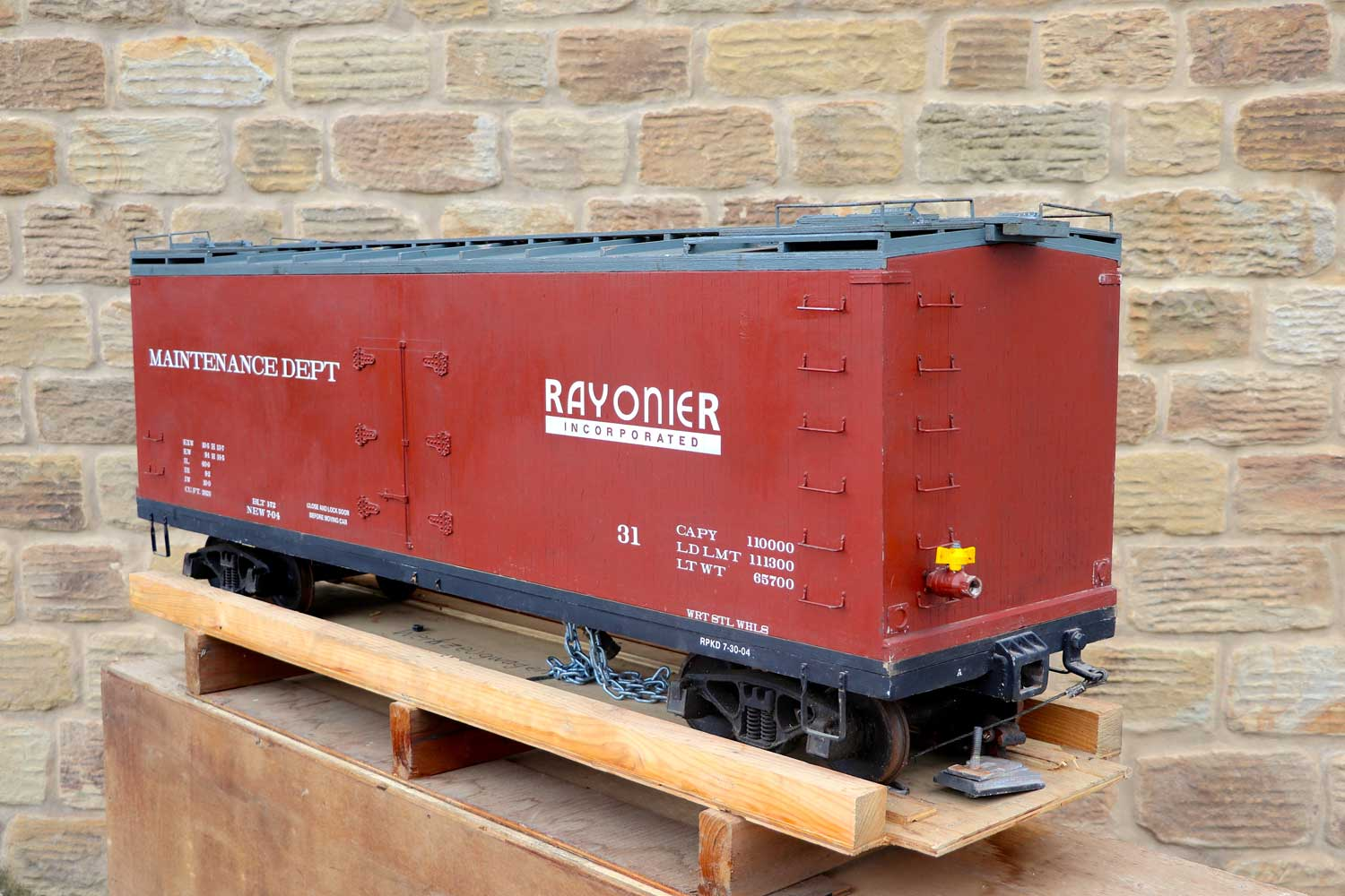 test 7-and-a-quarter-inch-brown-rayonier-hc-railroad-carriage-live-steam-for-sale-02