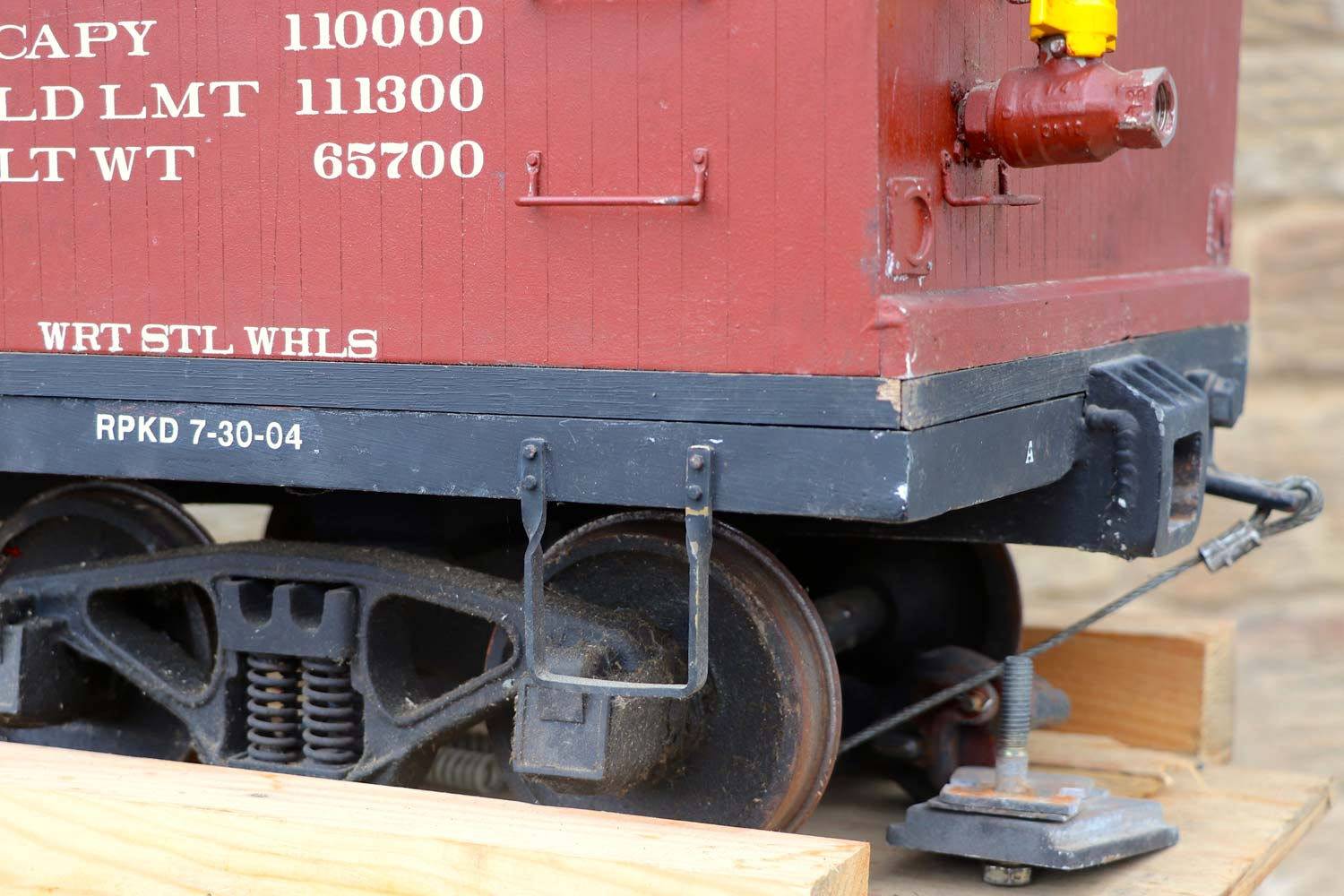 test 7-and-a-quarter-inch-brown-rayonier-hc-railroad-carriage-live-steam-for-sale-06