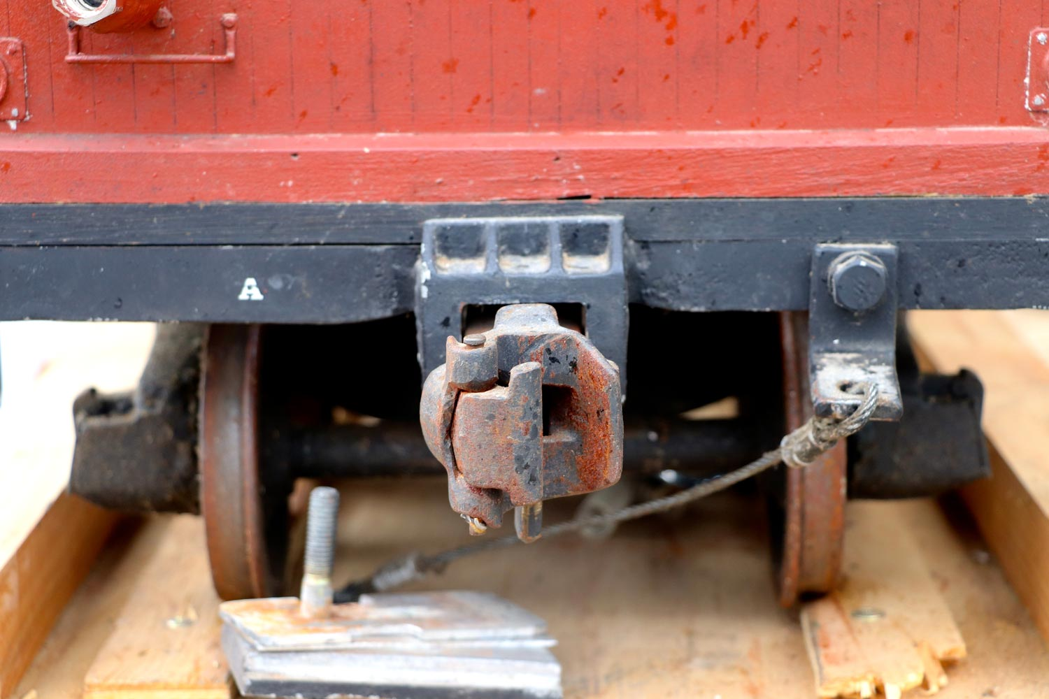 test 7-and-a-quarter-inch-brown-rayonier-hc-railroad-carriage-live-steam-for-sale-08