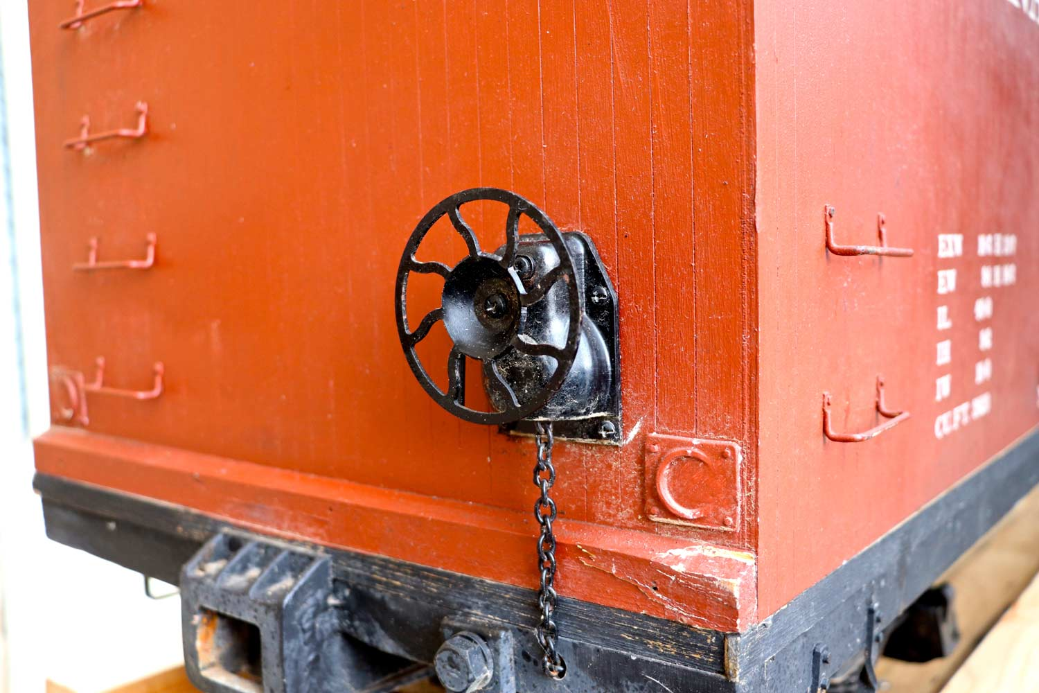 test 7-and-a-quarter-inch-brown-rayonier-hc-railroad-carriage-live-steam-for-sale-09