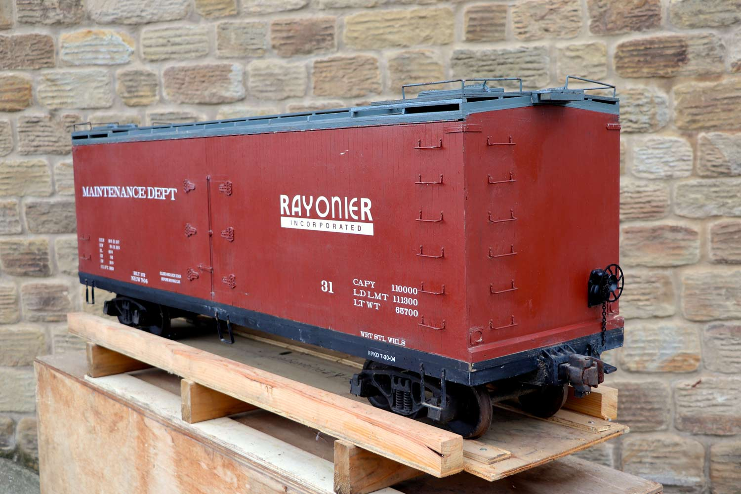 test 7-and-a-quarter-inch-brown-rayonier-hc-railroad-carriage-live-steam-for-sale-11