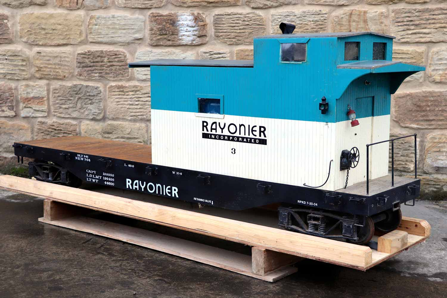 test 7-and-a-quarter-inch-rayonier-hc-railroad-carriage-live-steam-for-sale-02