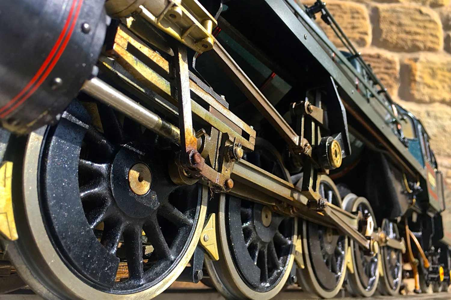 test 3-and-a-half-inch-BR-9F-OS-live-steam-locomotive-for-sale-07
