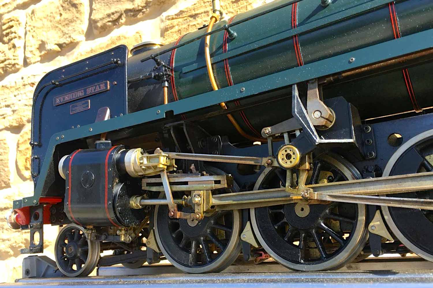 test 3-and-a-half-inch-BR-9F-OS-live-steam-locomotive-for-sale-14