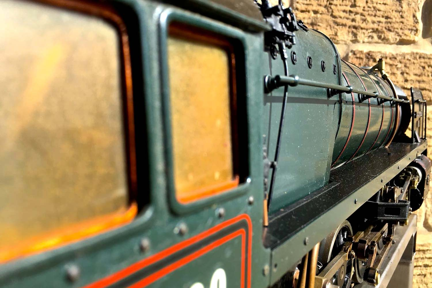 test 3-and-a-half-inch-BR-9F-OS-live-steam-locomotive-for-sale-22