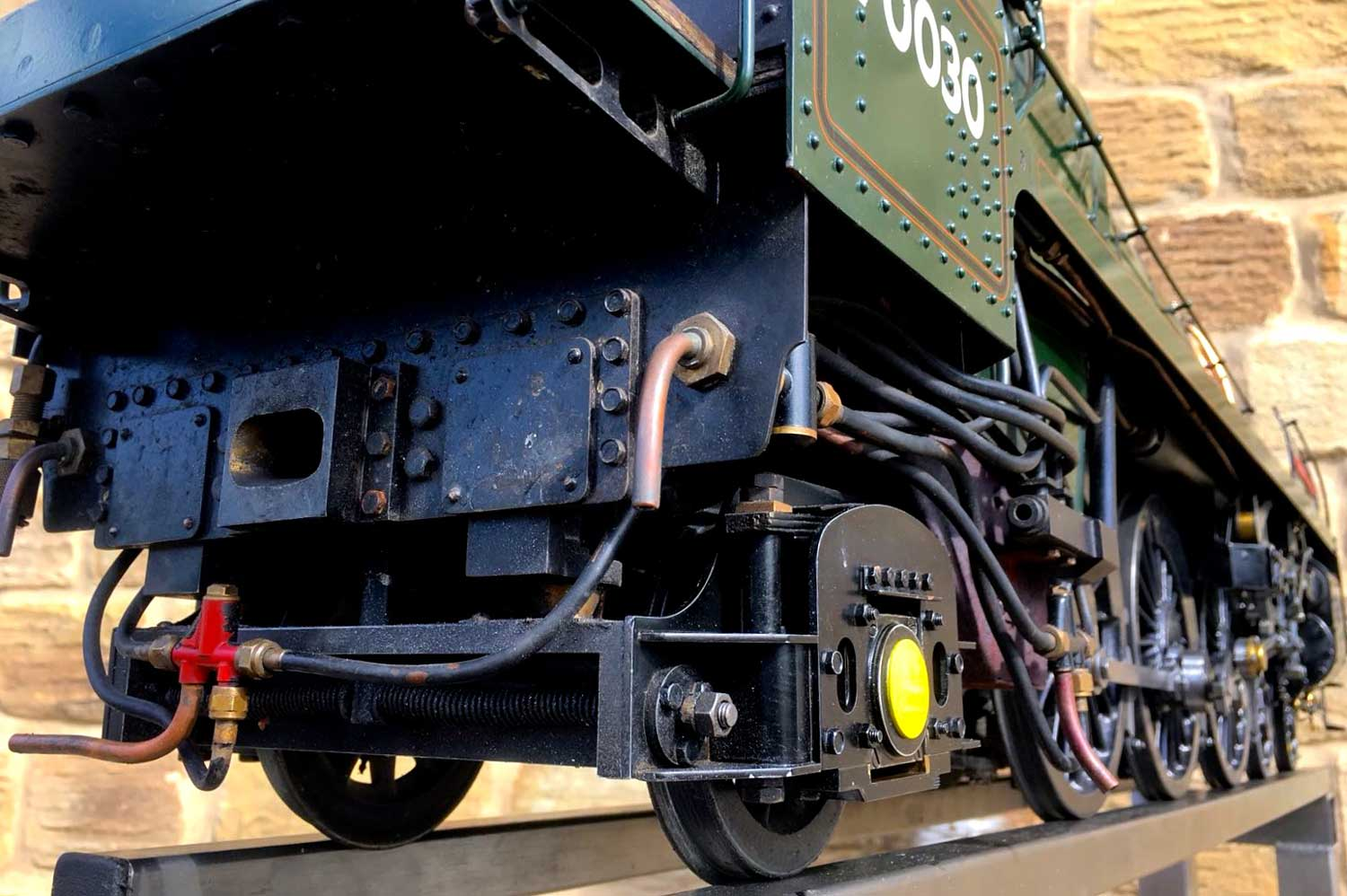 test 3-and-a-half-inch-BR-9F-OS-live-steam-locomotive-for-sale-26