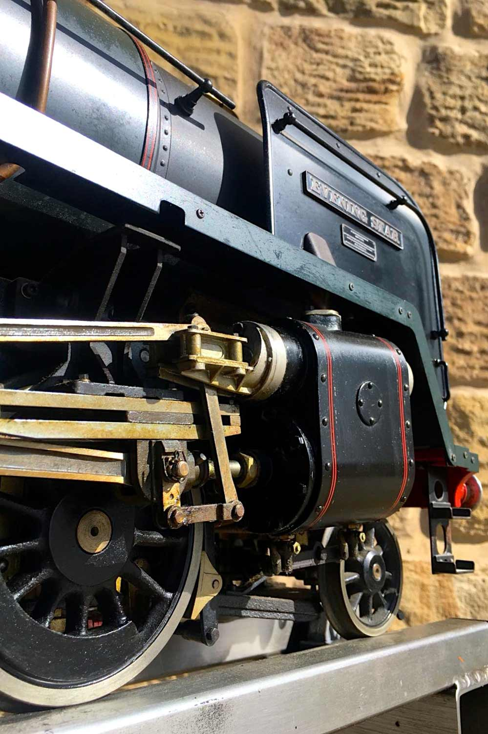 test 3-and-a-half-inch-BR-9F-OS-live-steam-locomotive-for-sale-27
