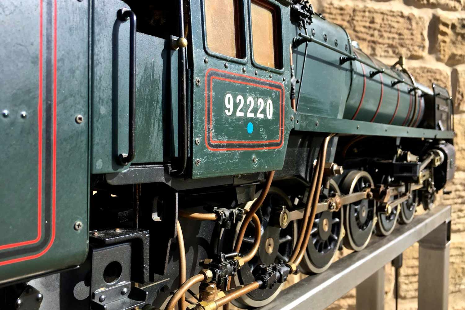 test 3-and-a-half-inch-BR-9F-OS-live-steam-locomotive-for-sale-36
