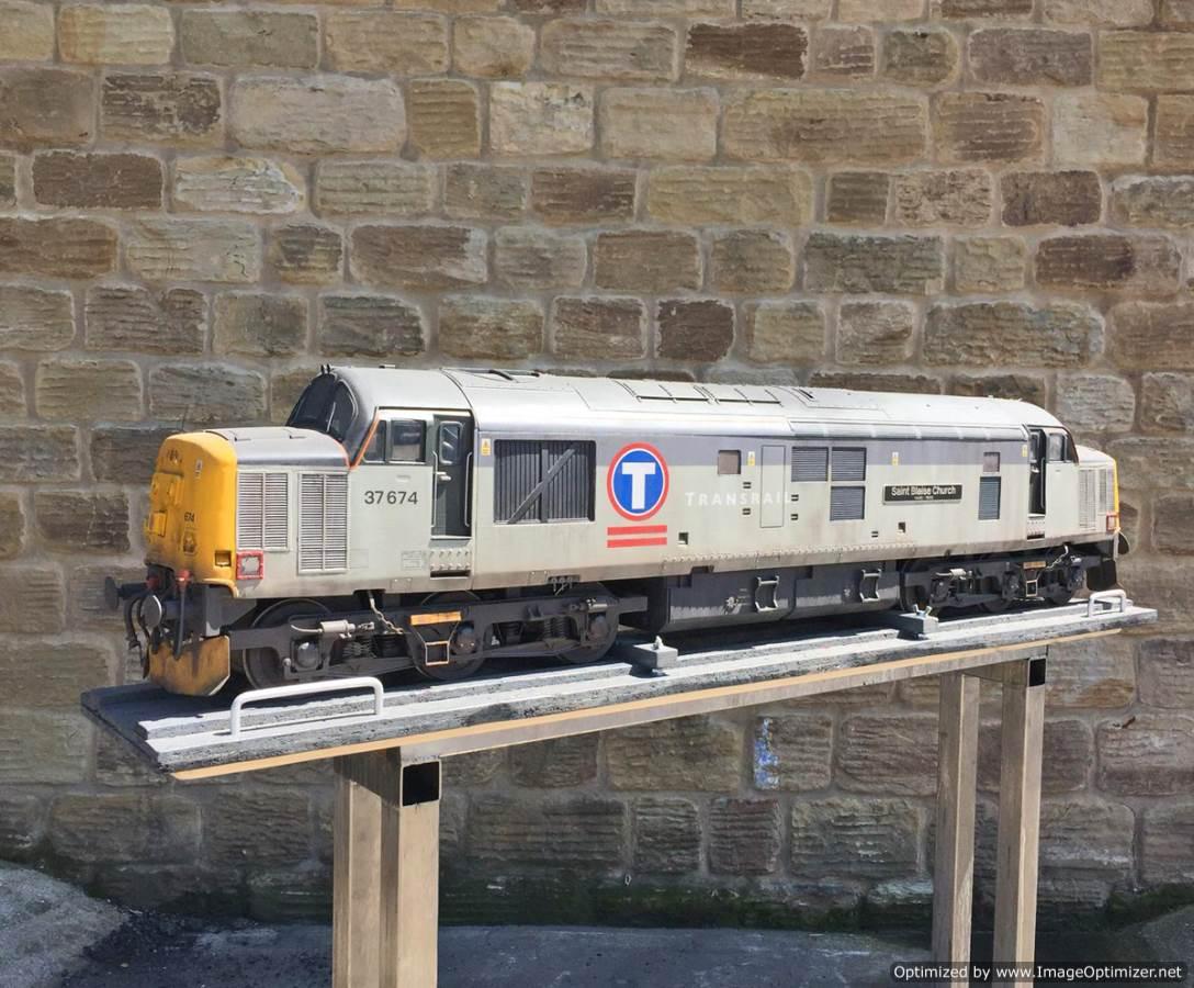 "test 5"" gauge Class 37 diesel for sale (2)"