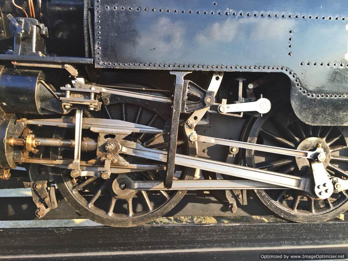 test 7 and a quarter gauge Fairburn Class 4 Tank Live Steam for sale (4)