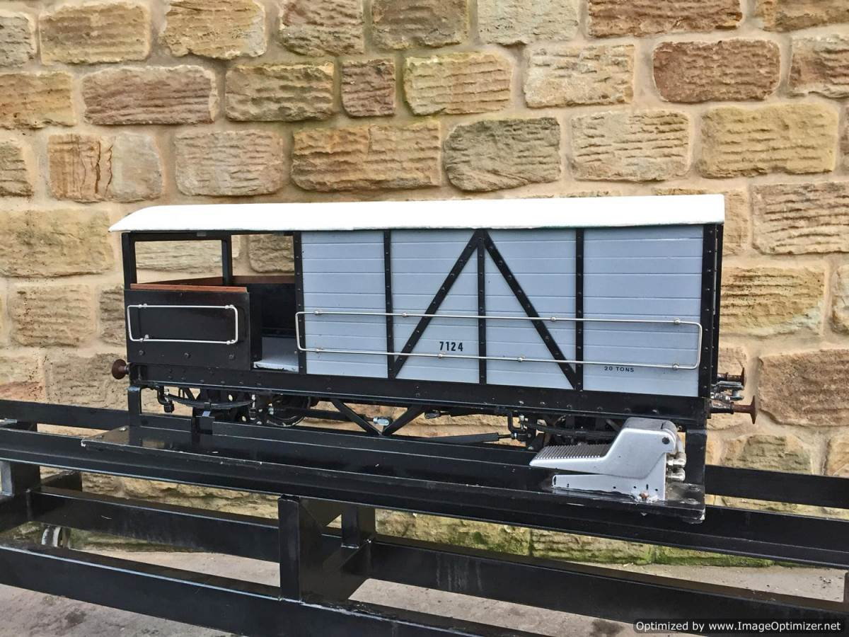 test 7 and a quarter inch GWR Guards Van (2)
