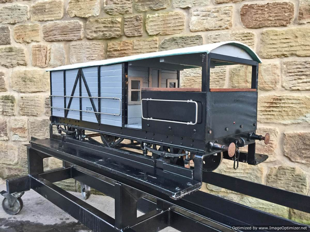 test 7 and a quarter inch GWR Guards Van (8)