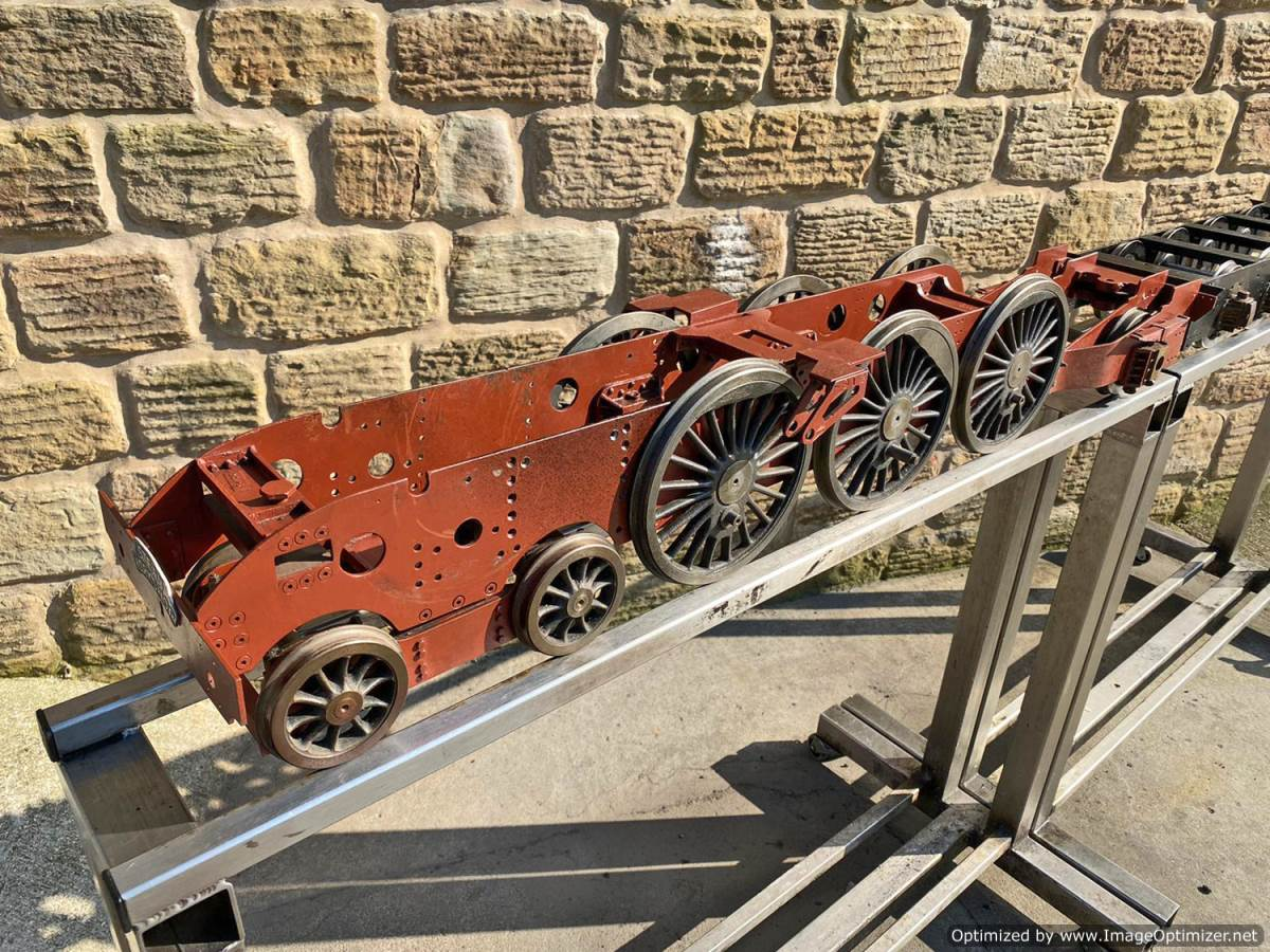 test 5 inch LNER A3 A4 Chassis Live Steam For Sale (1)