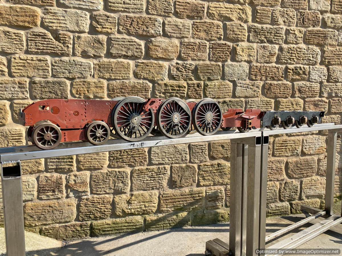 test 5 inch LNER A3 A4 Chassis Live Steam For Sale (2)