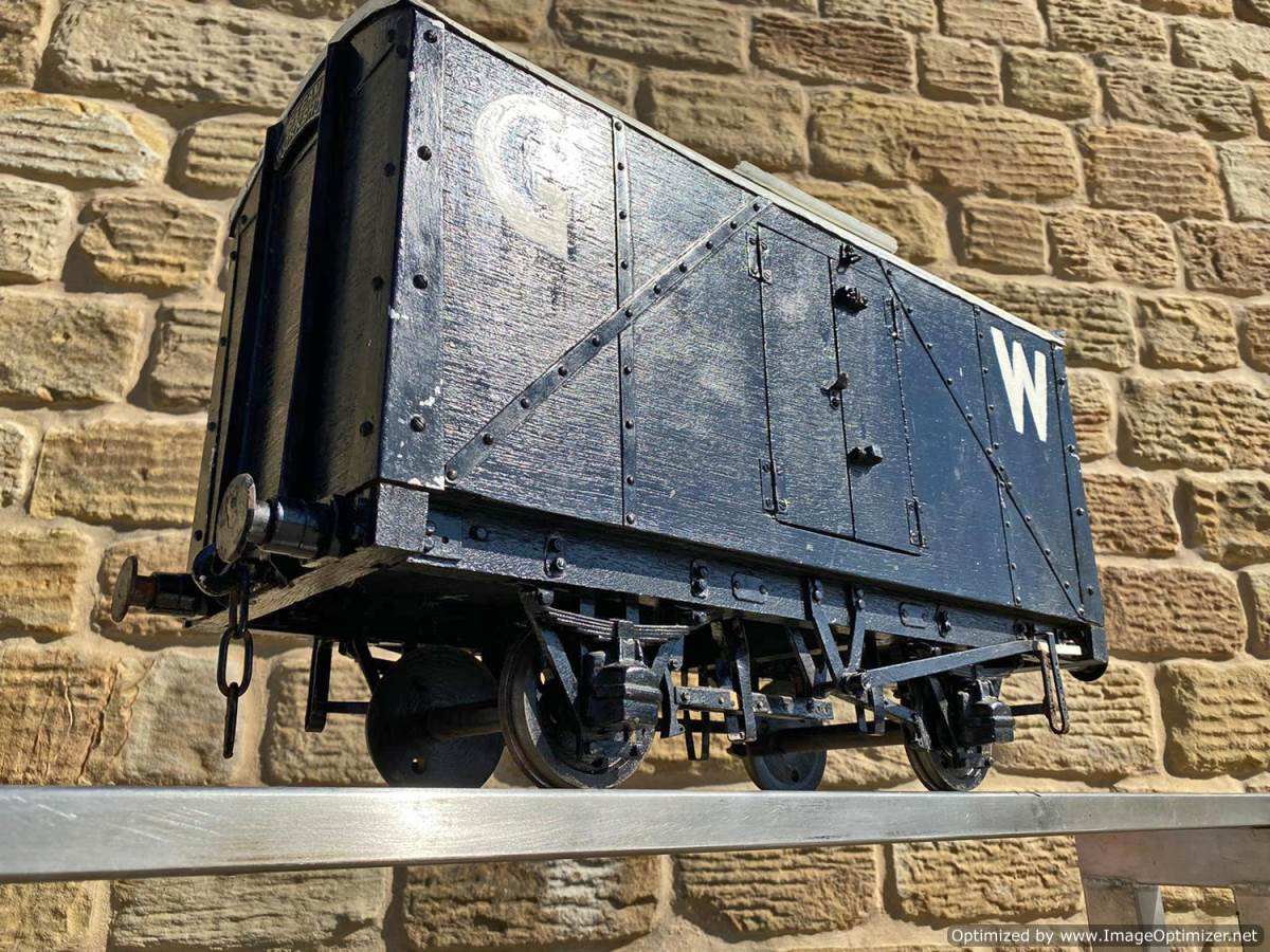 test 5 inch Great Western Parcels Van Live Steam For Sale (1)