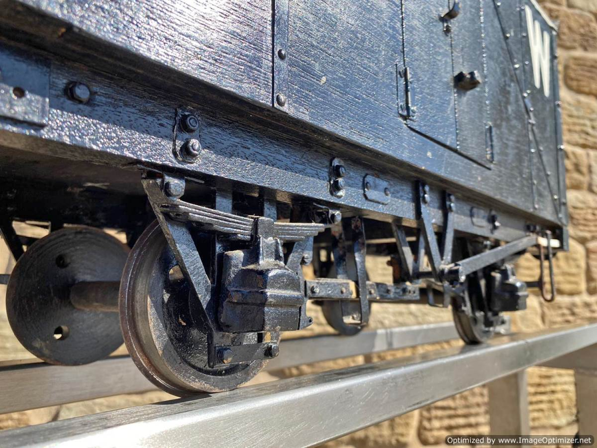 test 5 inch Great Western Parcels Van Live Steam For Sale (4)